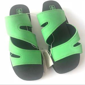 Retro 90's Neon Green Platform Foam Sandal NWT 7